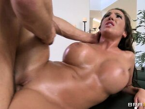 Busty and bootylicious whore got covered in body oil and romped