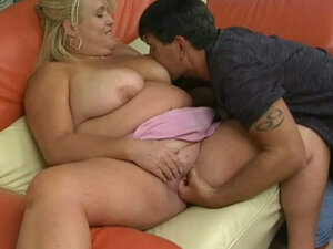 Blonde BBW dream girl from Texas gives stunning blowjob