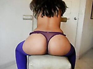 Turkish babe is very famous slut. She makes nice strip show for her client.