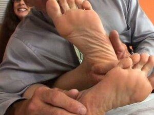 Brunette alexandra giving a footjob