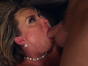 Horny milf likes to get nasty