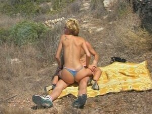 Public nude sex at the beach, lets everyone get naked