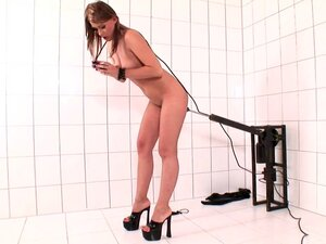 Babe Lila rides on the hardcore rubber dick