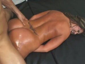 Nikkie vixon's juicy booty oiled up and fucked
