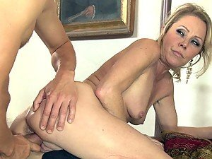 Blonde MILF Nikki Charm sucks and fuck with young guy