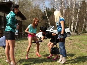 Adel Sunshine and Bella Baby is peeing on Nella Elmer and Valentina Ross faces