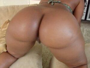 Big bootied beauty gets her ass cheeks spread!